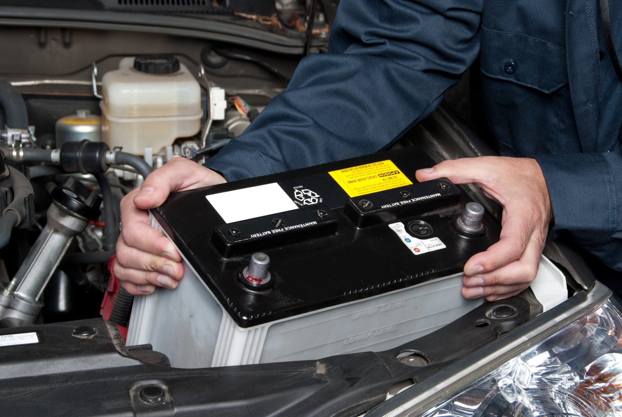 reliable car workshop battery replacement service